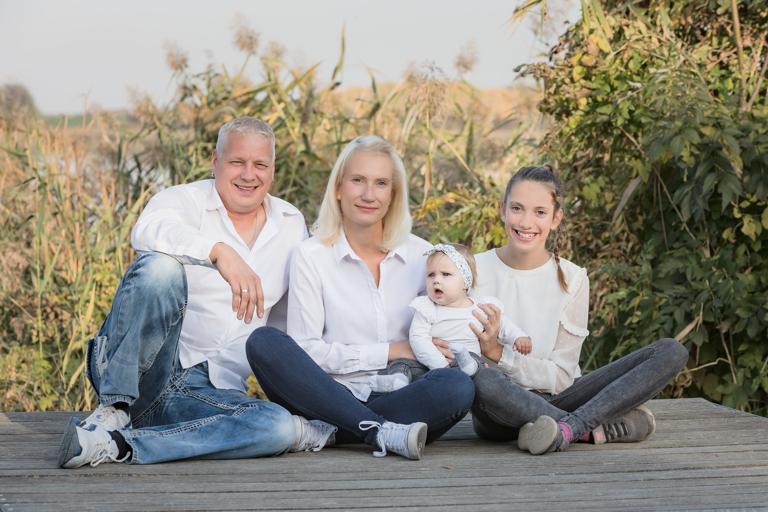 Ein Familienshooting im Fotostudio von rund-UM-photo in Angermuende.